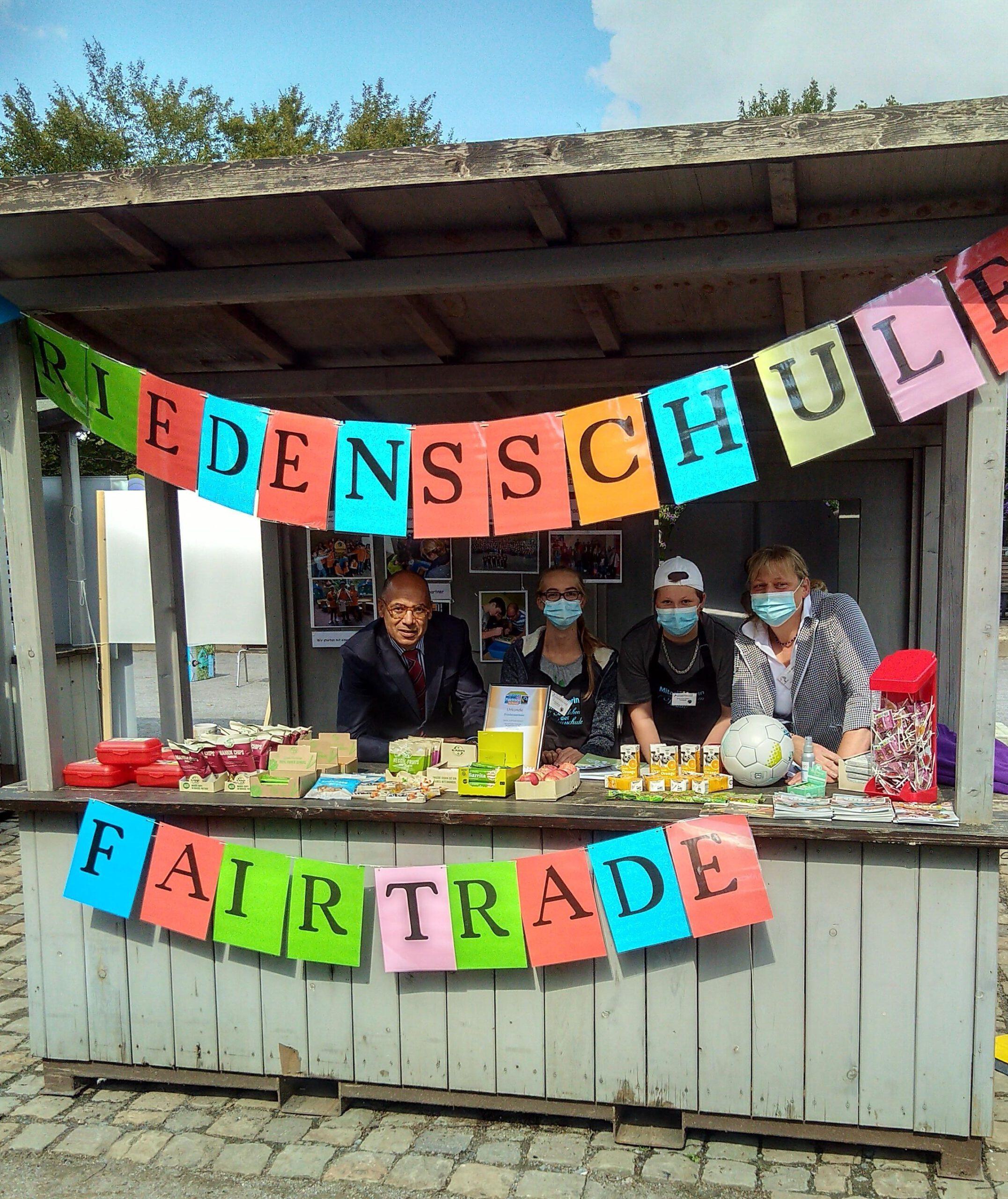 """Friedensschule rezertifiziert als  """"Fairtrade-School"""""""