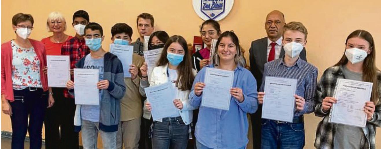Friedensschüler legen erfolgreich DELF-Prüfungen ab